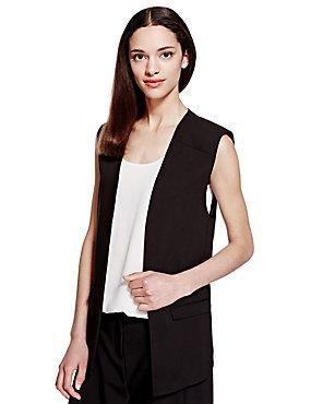 Short sleeveless blazer