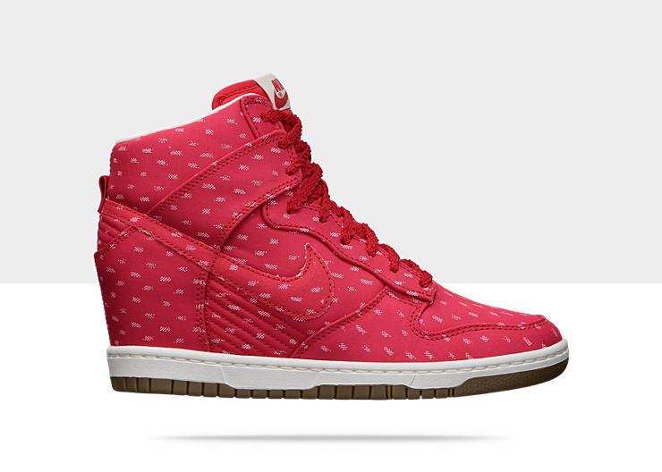 Nike-Dunk-Sky-High-Print-Womens-Shoe-543258_600_A